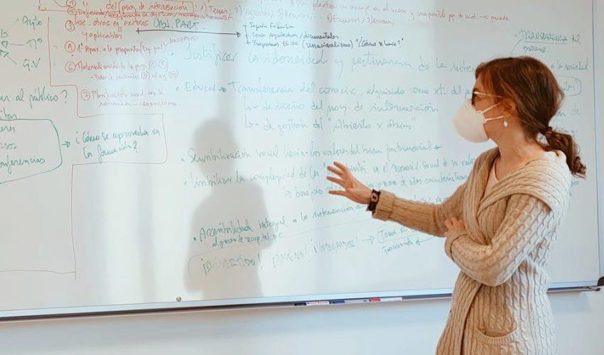 Maria Peraita en aula
